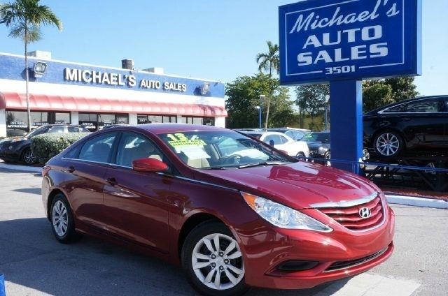 2013 HYUNDAI SONATA GLS sparkling ruby mica 99 point safety inspection clean carfax an