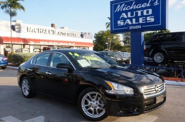 2014 NISSAN MAXIMA 35 SV 4DR SEDAN black perfect color combination the car youve always wanted
