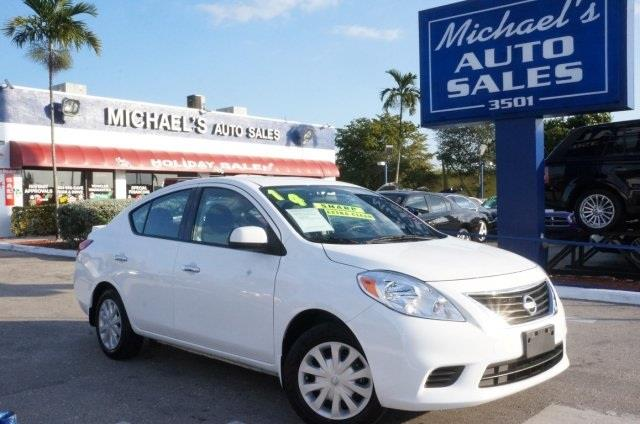 2014 NISSAN VERSA 16 SV 4DR SEDAN fresh powder get ready to enjoy move quickly nissan has don