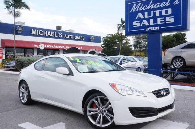 2012 HYUNDAI GENESIS COUPE 20T 2DR COUPE 6M white 99 point safety inspection manual p