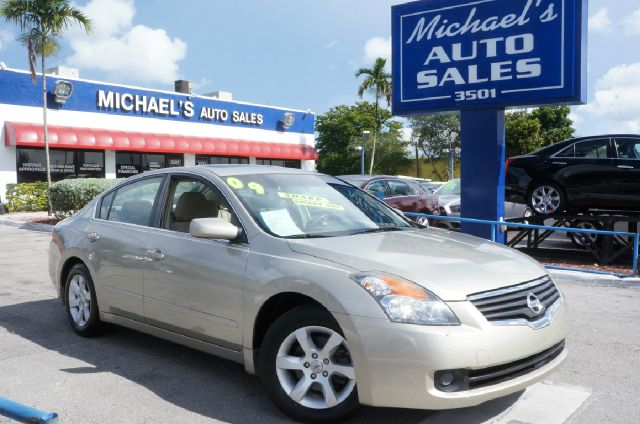 2009 NISSAN ALTIMA 25 S sand metallic 99 point safety inspection automatic and clean