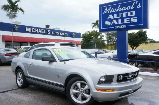 2009 FORD MUSTANG V6 brilliant silver clearcoat met 99 point safety inspection clean carfa