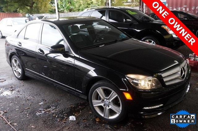 2011 MERCEDES-BENZ C-CLASS C300 black what are you waiting for attention this outstanding 2
