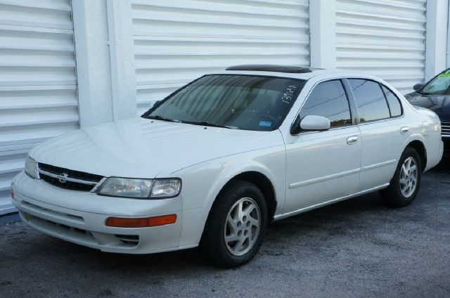 1999 NISSAN MAXIMA GXE 4DR SEDAN unspecified 99 point safety inspectionfree autocheck  carfa