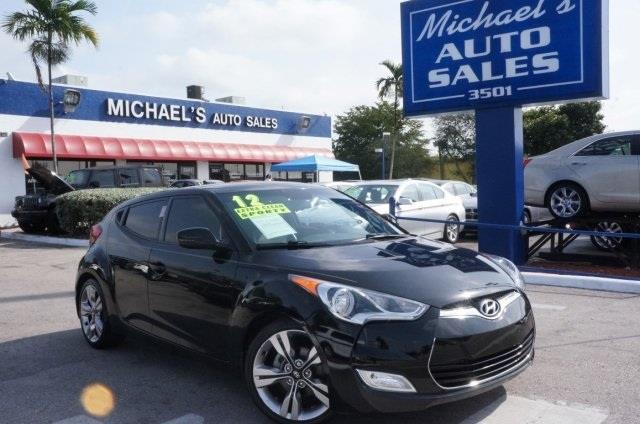 2012 HYUNDAI VELOSTER BASE ultra black dont let the miles fool you best color come take a loo