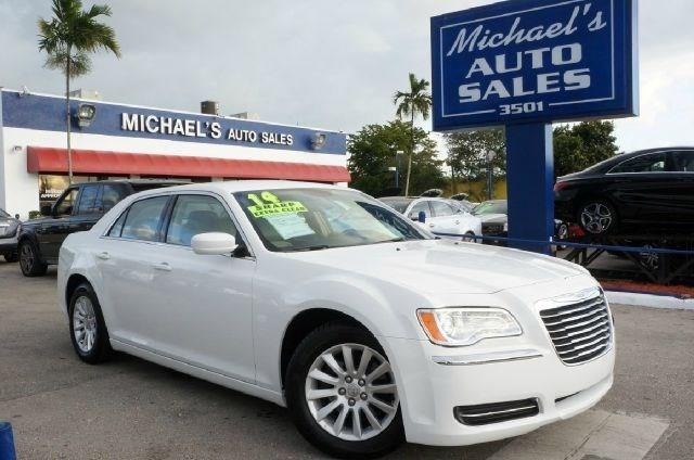 2014 CHRYSLER 300 BASE 4DR SEDAN bright white clearcoat 99 point safety inspection clean c