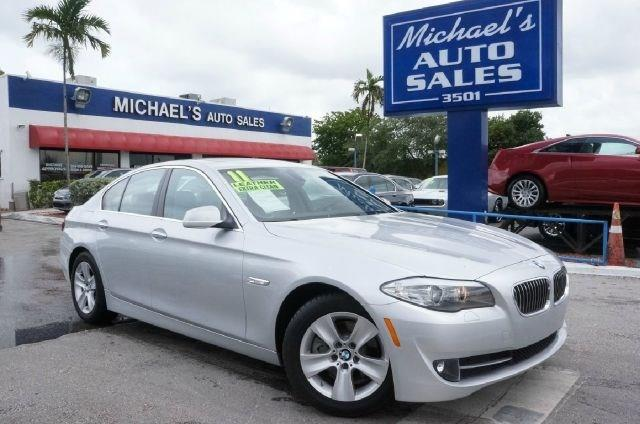2011 BMW 5 SERIES 528I 4DR SEDAN milano beige metallic clean carfax 99 point safety inspe