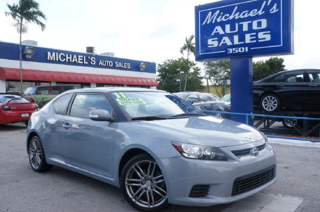 2011 SCION TC BASE classic silver metallic 99 point safety inspection automatic and cl