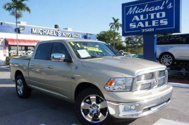 2011 RAM RAM PICKUP 1500 SLT 4X2 4DR CREW CAB 55 FT SB white gold 99 point safety inspection