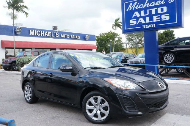 2011 MAZDA MAZDA3 I black mica 99 point safety inspection automatic and clean title