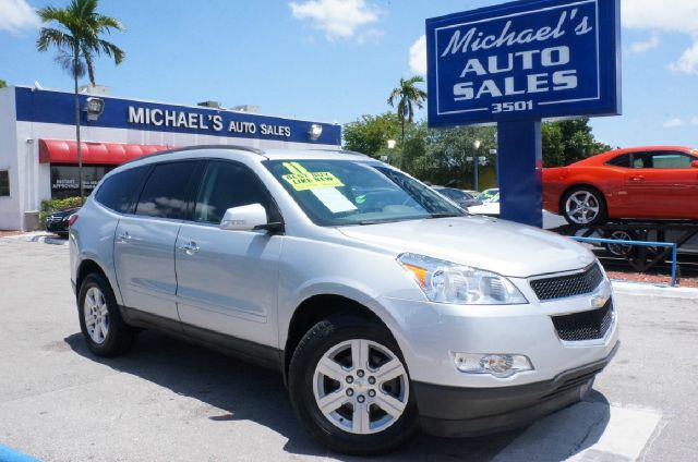 2011 CHEVROLET TRAVERSE LT 4DR SUV W1LT silver ice metallic clean carfax 99 point safety