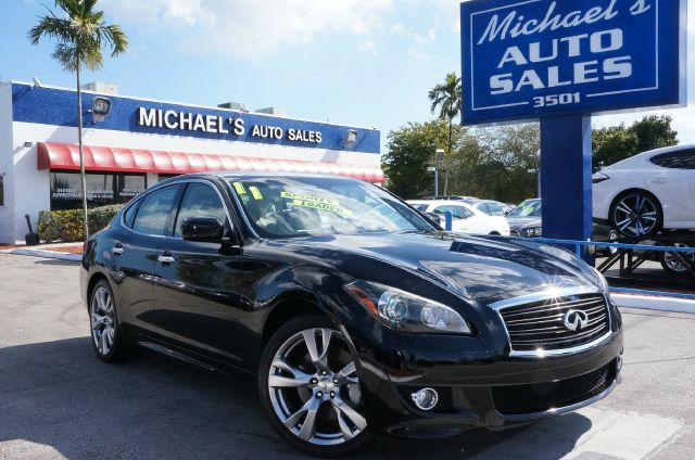 2011 INFINITI M37 BASE black obsidian infiniti has outdone itself with this wonderful-looking 2011