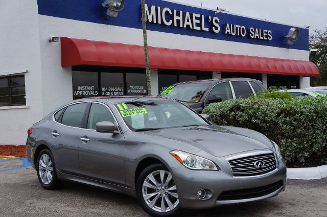 2011 INFINITI M37 BASE liquid platinum 7-speed automatic with manual shift 99 point safety insp