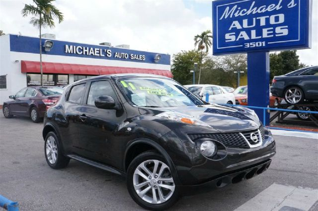 2011 NISSAN JUKE SV metallic bronze 99 point safety inspection automatic clean carfax