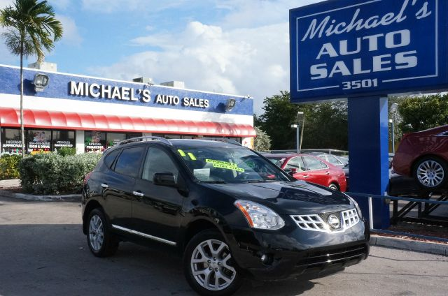 2011 NISSAN ROGUE SV super black if you want an amazing deal on an amazing suv that will not break