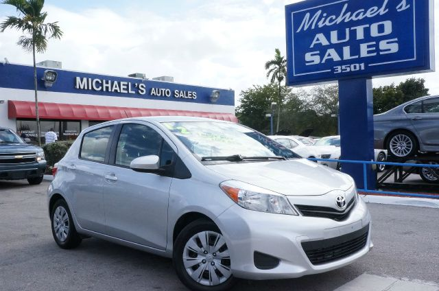 2012 TOYOTA YARIS L classic silver metallic 99 point safety inspection clean carfax and