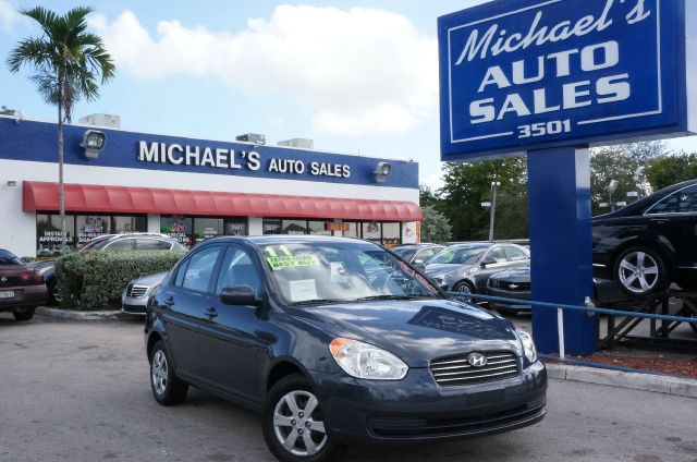 2011 HYUNDAI ACCENT GLS charcoal gray pearl 99 point safety inspection automatic clean