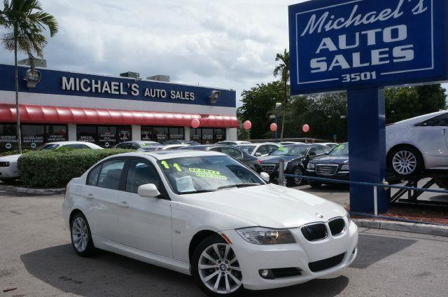 2011 BMW 3 SERIES 328I alpine white clean title and remote keyless entry seems like turbo all the