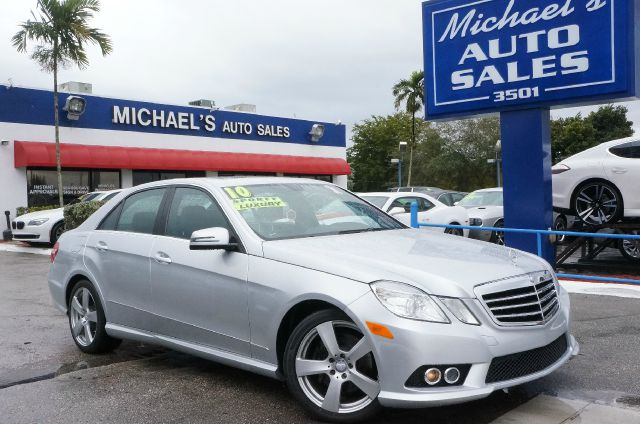 2010 MERCEDES-BENZ E-CLASS E350 iridium silver metallic if youre looking for comfort and reliabil