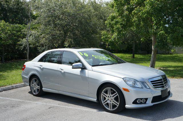 2010 MERCEDES-BENZ E-CLASS E350 SEDAN 4MATIC iridium silver metallic luxury luxury luxury this