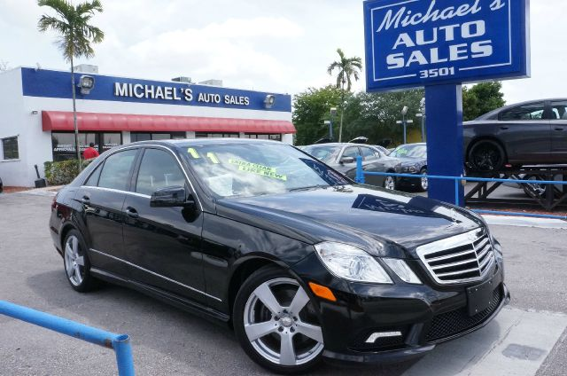 2011 MERCEDES-BENZ E-CLASS E350 black clean carfax 99 point safety inspection automa