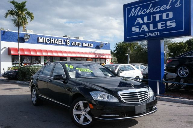 2010 MERCEDES-BENZ S-CLASS S550 black how sweet are all the amenities and amenities on this fully-