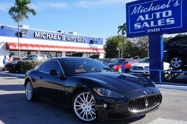 2010 MASERATI GRANTURISMO S black if you demand the best things in life this great 2010 maserati
