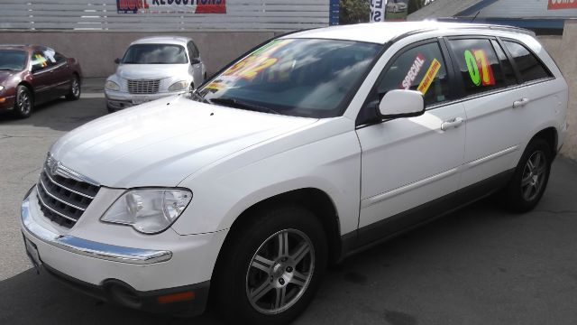 2007 CHRYSLER PACIFICA TOURING FWD white la sierra motors located in pomona prides itself on havin