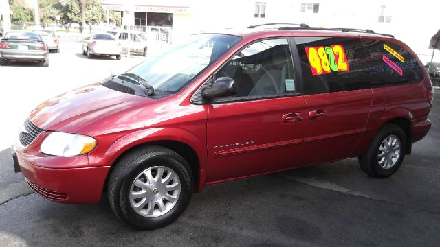 2001 CHRYSLER TOWN  COUNTRY EX burgundy la sierra motors located in pomona prides itself on havin