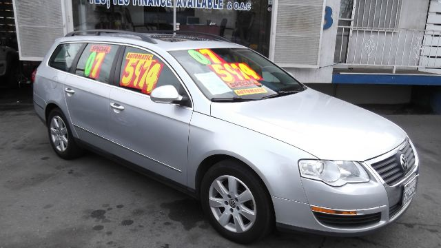 2007 VOLKSWAGEN PASSAT BASE silver la sierra motors located in pomona prides itself on having grea