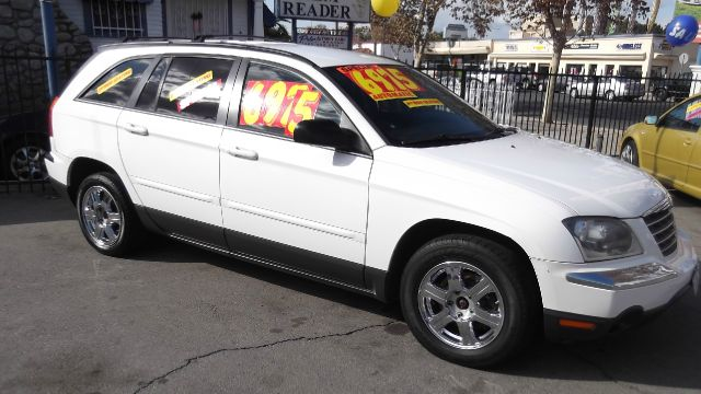 2005 CHRYSLER PACIFICA TOURING FWD white la sierra motors located in pomona prides itself on havin