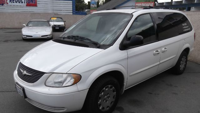 2003 CHRYSLER TOWN  COUNTRY LX FWD white la sierra motors located in pomona prides itself on havi