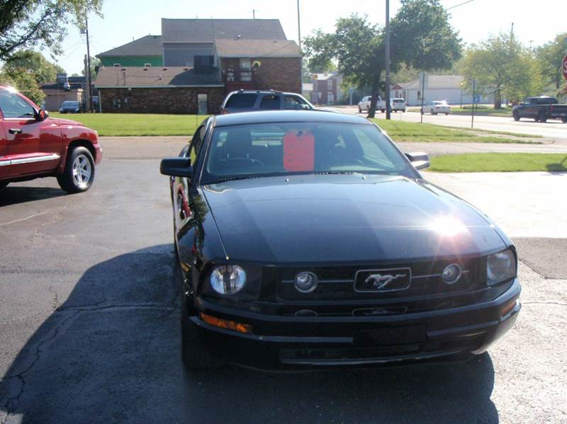 2006 Ford Mustang V6 Premium 2dr Coupe - Enon OH