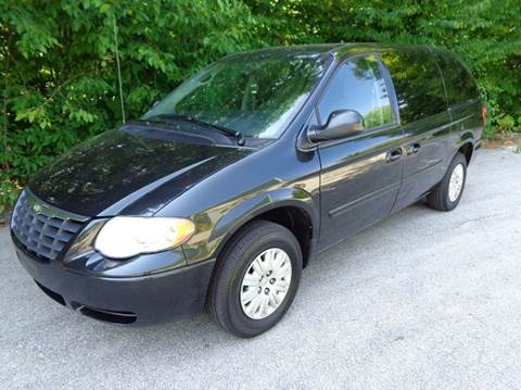 2006 Chrysler Town and Country for sale in Derry, NH