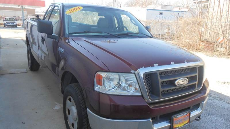 2004 Ford F-150 XL 2dr Regular Cab 4WD Styleside 8 ft. LB - Champaign IL