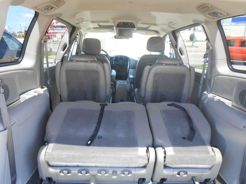 2005 Dodge Grand Caravan Special Edition 4dr Extended Mini-Van - Champaign IL