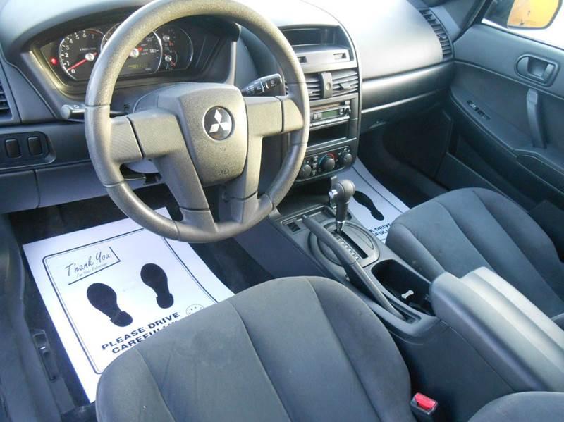2006 Mitsubishi Galant DE 4dr Sedan - Champaign IL