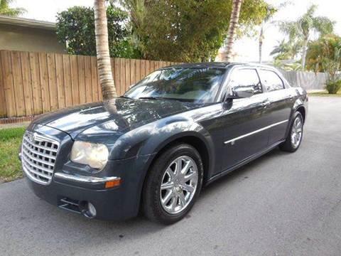 2008 Chrysler 300 for sale in Hollywood, FL