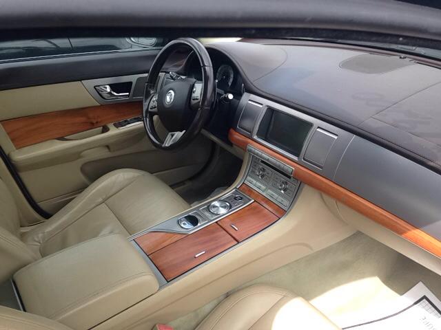 2009 Jaguar XF Luxury 4dr Sedan - Leesburg OH