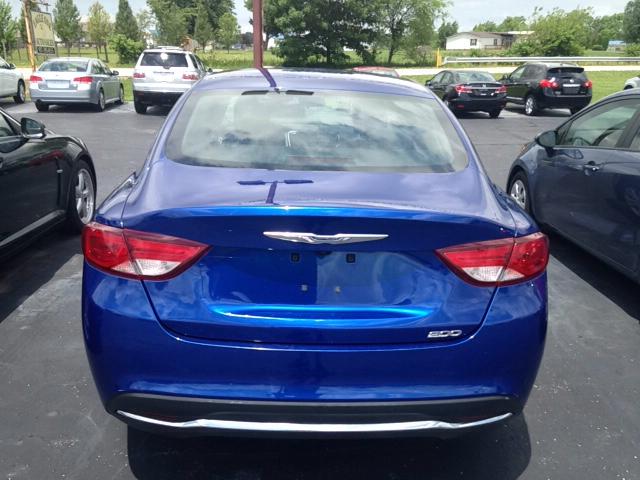 2016 Chrysler 200 Limited 4dr Sedan - Leesburg OH