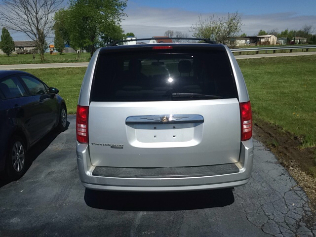 2008 Chrysler Town and Country Touring 4dr Mini-Van - Leesburg OH