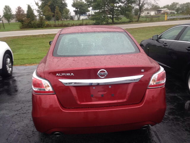 2015 Nissan Altima 2.5 S 4dr Sedan - Leesburg OH