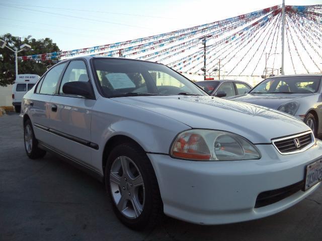 1997 HONDA CIVIC DX 4DR SEDAN white lowlowlowest price we have no salesmen following you ar