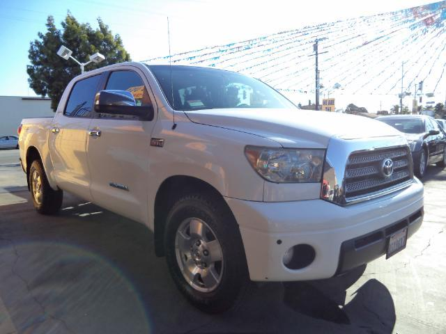 2008 TOYOTA TUNDRA LIMITED 4X2 PICKUP CREWMAX 4DR white must sale asap bad credit  no credit  b
