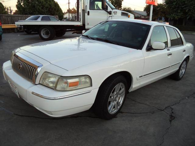 2007 MERCURY GRAND MARQUIS GS 4DR SEDAN white lowlowlowest price we have no salesmen followi