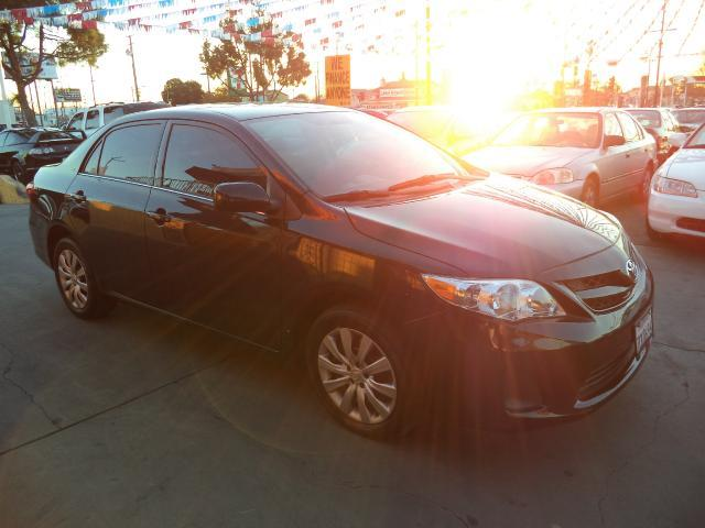 2013 TOYOTA COROLLA LE 4DR SEDAN 4A black lowlow mileage abs brakes electronic stability control