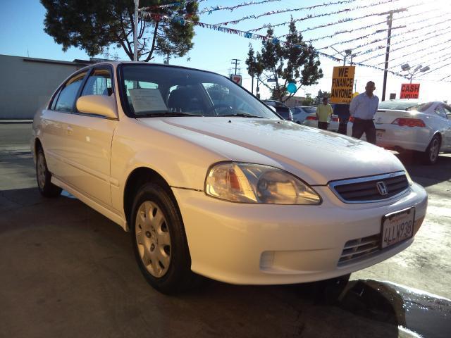 2000 HONDA CIVIC LX 4DR SEDAN white lowlowlowest price we have no salesmen following you ar
