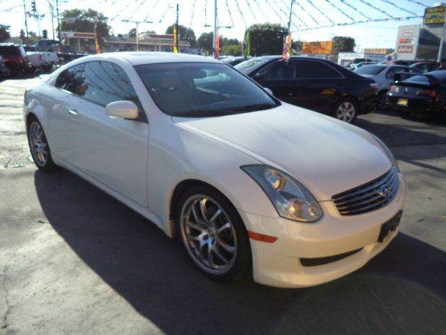 2007 INFINITI G35 BASE 2DR COUPE 35L V6 5A white must sale asap bad credit  no credit  bankr