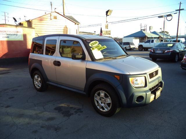 2006 HONDA ELEMENT LX 4DR SUV silver lowlowlowest price we have no salesmen following you a