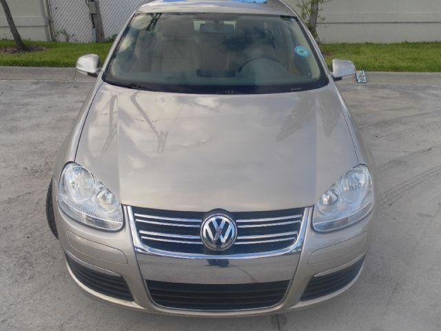 2006 Volkswagen Jetta 2.5T - MIAMI FL